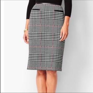 Talbots pencil skirt / petite